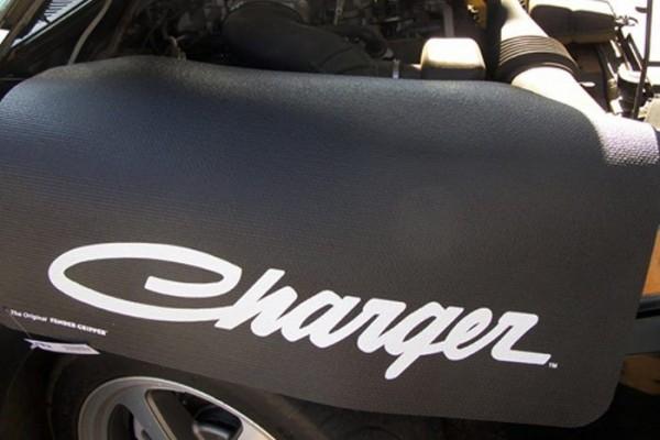 Kotflügelschoner mit - Charger - Logo, Stück