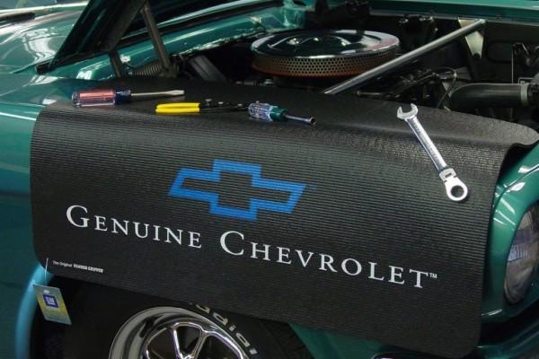 Kotflügelschoner mit - Genuine Chevrolet - Logo, Stück