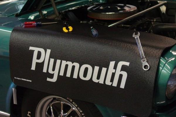 "Kotflügelschoner mit ""Plymouth"" Logo, Stück"