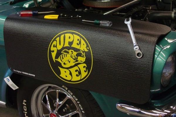 Kotflügelschoner mit - Super Bee - Logo, Stück