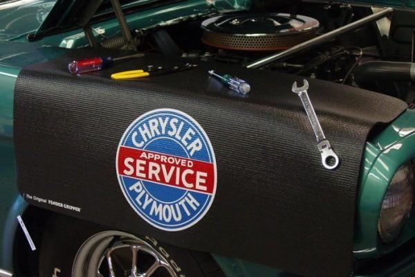 Kotflügelschoner mit - Chrysler & Plymouth - Logo, Stück