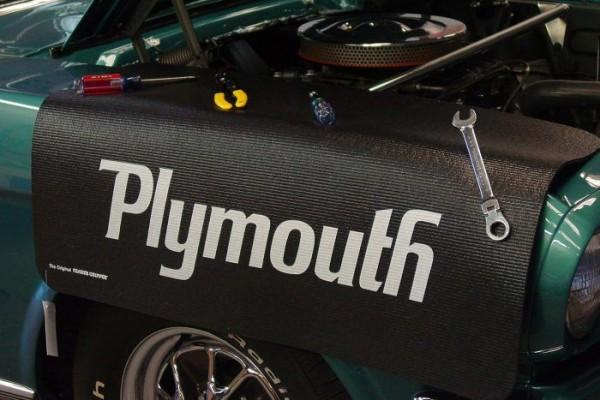 Kotflügelschoner mit - Plymouth - Logo, Stück