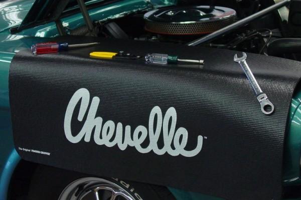 Kotflügelschoner mit - Chevelle - Logo, Stück