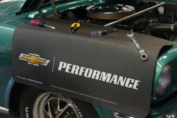 "Kotflügelschoner mit ""GM Performance"" Logo, Stück"