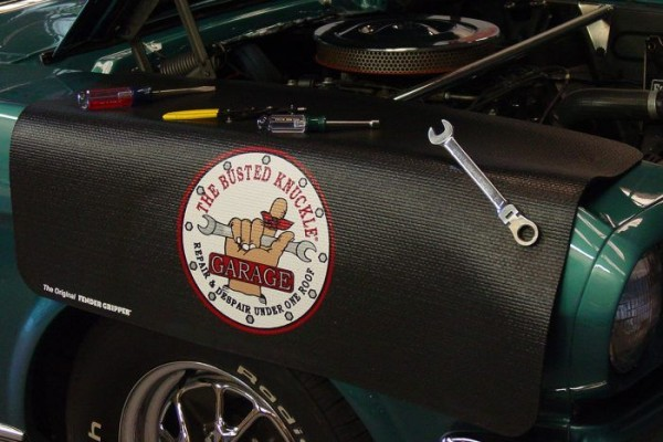 Kotflügelschoner mit - Busted Knuckle - Logo, Stück