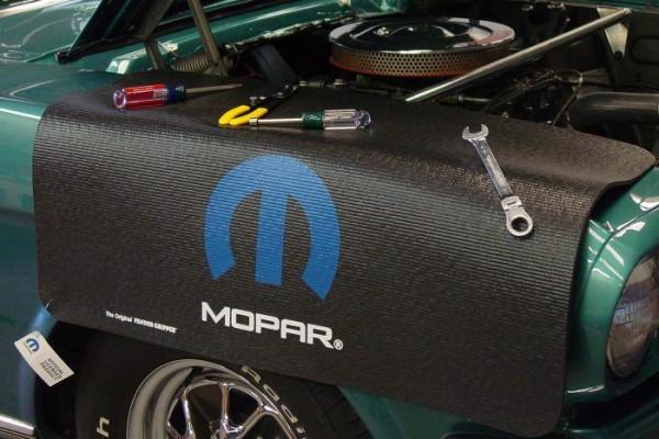 "Kotflügelschoner mit ""Mopar"" Logo, Stück"