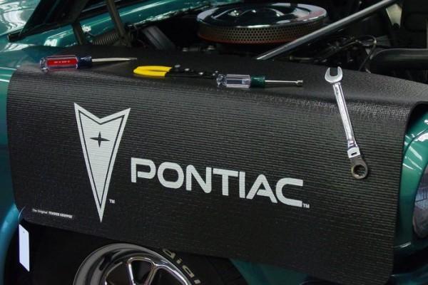 Kotflügelschoner mit - Pontiac - Logo, Stück