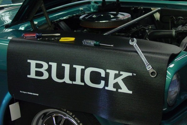Kotflügelschoner mit - Buick - Logo, Stück