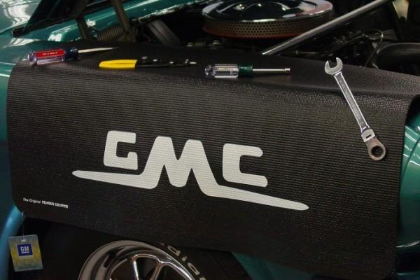 Kotflügelschoner mit - GMC - Logo, Stück